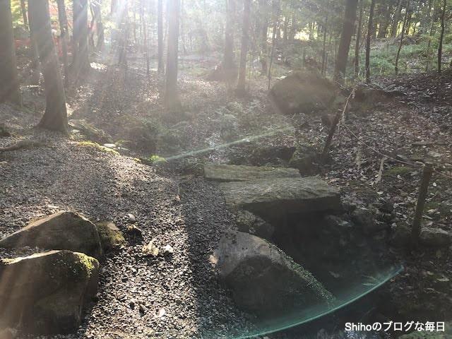 出雲大神宮の御蔭の滝の流れ